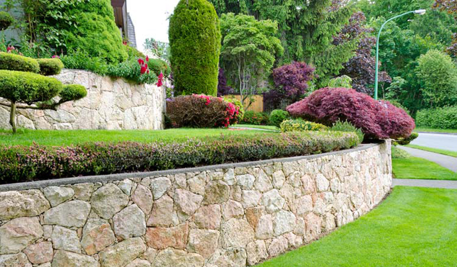 Landscape Maintenance in Deer Park